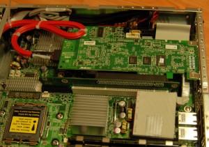 Уложенный кабель для SMDC (RAID установлен)